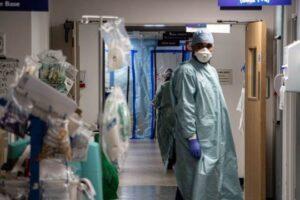 Spitalet në Londër drejt kolapsit për shkak të COVID-19