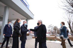 Gjermania dhe OBSH dhuron Kosovës furnizime mjekësore në vlerë 2.17 milionë euro për të përballuar pandeminë