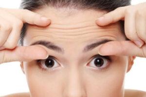 Pesë këshilla për ngadalësimin e shfaqjes së rrudhave
