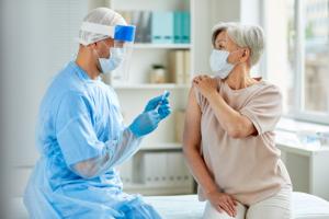 Mbi 12 milionë të vaksinuar kundër COVID-19 në ShBA