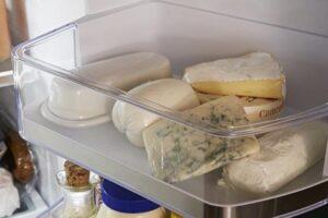 Sa mund të qëndrojnë djathërat e fortë dhe ata butë në frigorifer