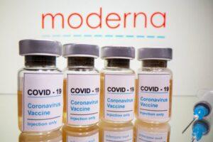 Dhimbje koke dhe ethe, Moderna shpjegon efektet e pakta anësore të vaksinës te fëmijët
