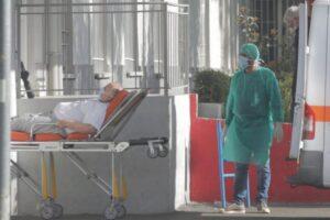 Shqipëri, 7 të vdekur e 725 raste të reja me Covid-19