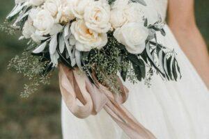 Idetë më të bukura për buqetën në ditën e dasmës dhe disa rregulla që duhen ndjekur; fotogaleri