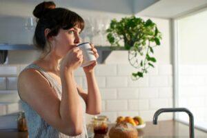 Pirja e kafesë në këtë kohë të mëngjesit mund ta keqësojë sheqerin në gjak