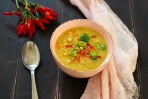 Supë me fasule, lakër dhe brokoli