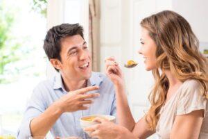 Këshilla e nutricionistes: Mos e filloni dietën, hani normalisht