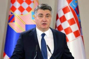 Kroacia nis vaksinimin e zyrtarëve të lartë shtetëror, presidenti e merr vaksinën i pari