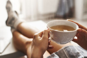 A mund të bëheni të varur nga çaji? Çfarë duhet të dihet