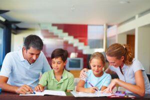 Si t'i mësojmë fëmijët që të jenë të pavarur