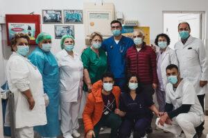 Qytetari falënderon stafin mjekësor të Spitalit të Gjakovës për shërimin e babait nga Covidi