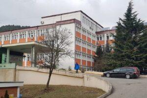 58 pacientë me koronavirus në Spitalin e Pejës, 12 nga ta në gjendje më të rëndë shëndetësore