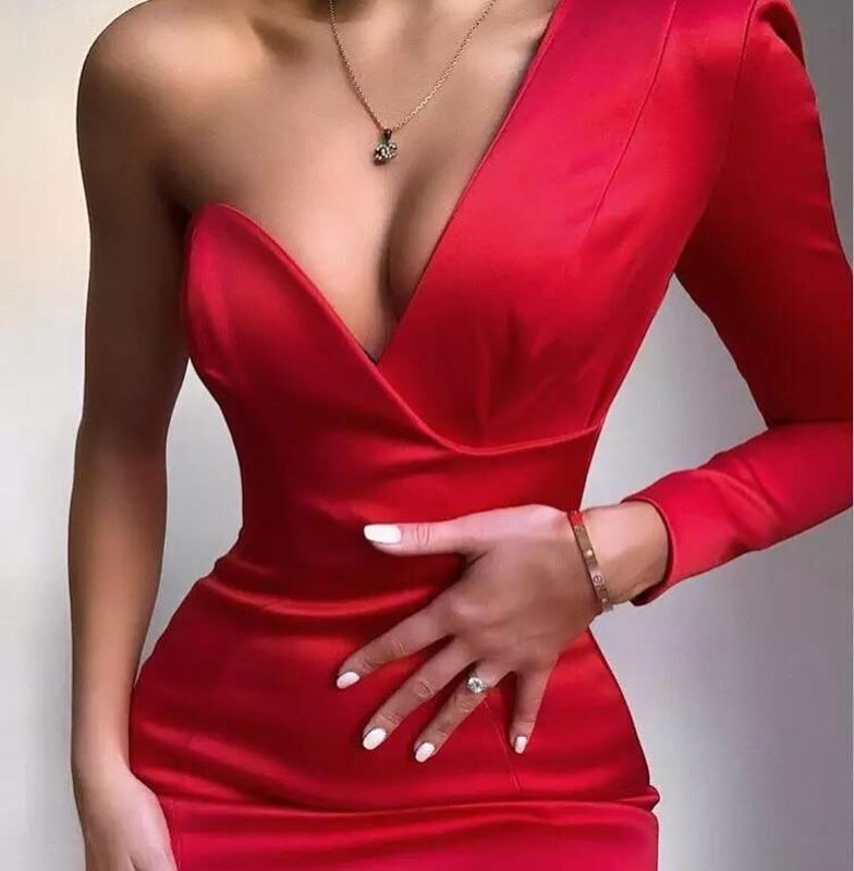 Ngjyra e dashurisë: Shkëlqe në këto pjesë rrobash të kuqe