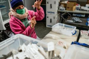 Studimet: Njerëzit që kanë kaluar koronavirusin duhet të marrin një dozë të vetme vaksine