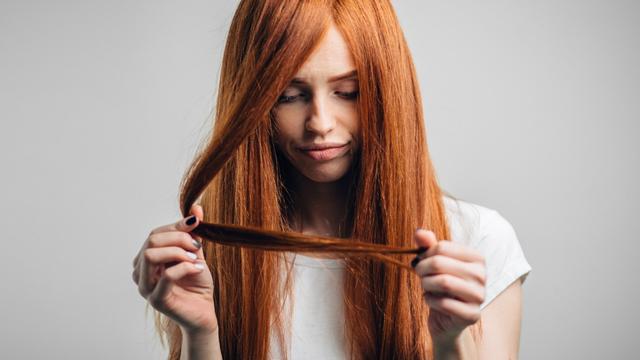 Gabimi i vetëm që po bëni dhe po ju djeg flokët çdo ditë; Ekspertja tregon sekretin e saj