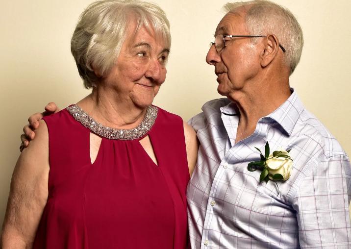Historia e jashtëzakonshme e dashurisë/ Çifti që është  ribashkuar pas 70 vitesh (Fotot)
