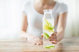 10 ushqimet që e detoksifikojnë dhe pastrojnë trupin tuaj