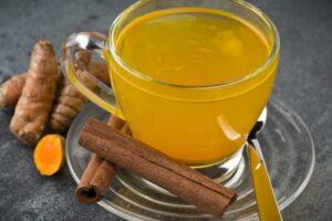 Katër arsye për të pirë çaj shafrani të Indisë çdo ditë
