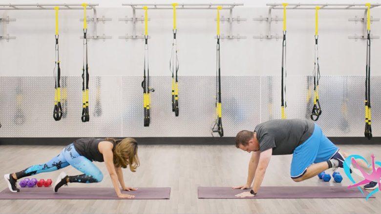 Me këtë ushtrim do të dukeni sikur po stërvitni me trajner personal