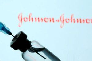 """FDA: Një dozë e vaksinës së """"Johnson&Johnson"""", efikase ndaj COVID-19"""