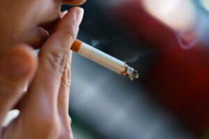Reduktimi i dëmit nga duhanit, alternativë më e mirë se ndalimi i tij