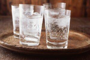 A është uji i gazuar i mirë për ju?