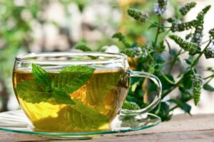 8 përfitimet shëndetësore të çajit me mente që duhet të dini