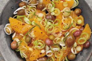 Ullinj, presh dhe portokalle – Sallata që duhet ta provoni këto ditë