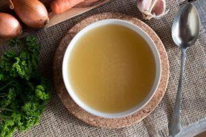 Lëngu i kockave, një prej burimeve më të mëdha të vitaminave e mineraleve