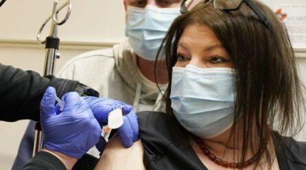 Skandal në Itali: Mjeku u dha pacientëve vaksinën fiziologjike në vend të Pfizerit