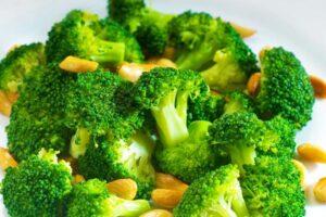 A janë brokoli dhe lulelakra të dëmshme për tiroiden?