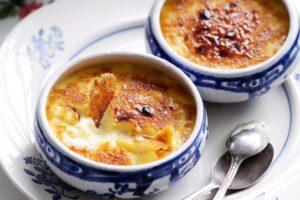Kremi katalan: Si të përgatisni këtë ëmbëlsirë tipike spanjolle