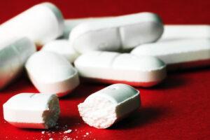 Paracetamoli: Konsumimi i tepërt i ilaçit popullor mund të çojë në dështim të mëlçisë