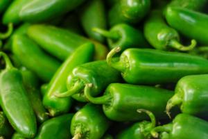 Këto dy lloje të ushqimeve do të pastrojnë sinuset tuaja dhe do të lehtësojnë simptomat e alergjisë sezonale
