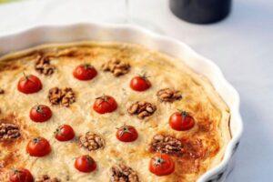Quiche me djathë dhe gorgonxla dhe domate të vogla