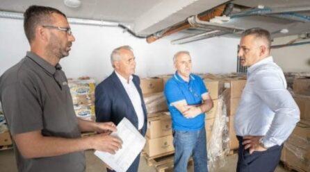 Komuna e Skenderajt ndihmon mbi 2000 familje në nevojë për Fitër Bajram