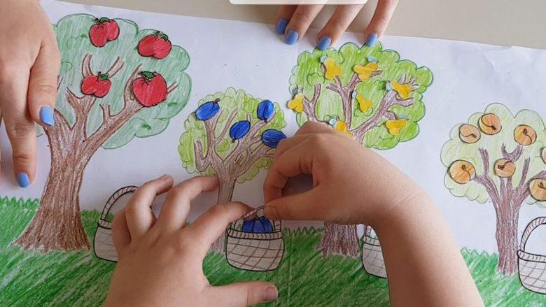I mësojmë se çfarë janë pemët: një lojë logopedike që inkurajon zhvillimin e fëmijëve