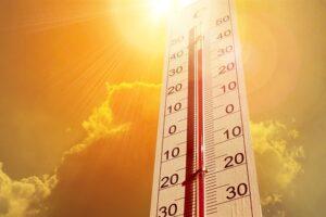 Si duhet të kujdeseni për veten gjatë të nxehtit?