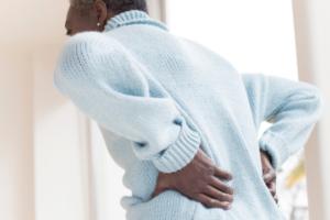Dhimbja e shpinës mund të jetë një shenjë e këtij problemi më të madh shëndetësor