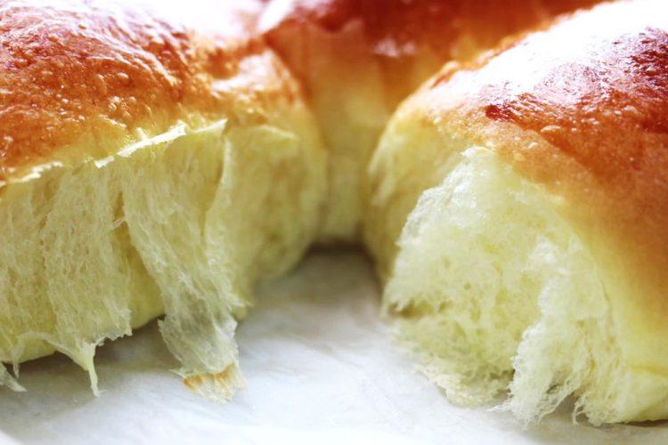 Bukë shtëpie me qumësht – Receta per një bukë plot shije dhe të butë