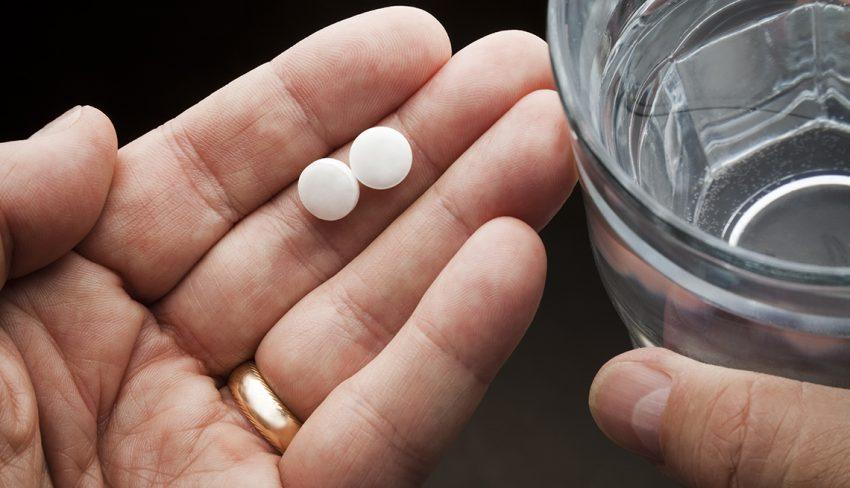 Mjekja paralajmëron të mos merrni aspirinë pa recetë mjekësore, mund të lindin komplikime serioze