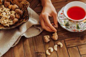 Dy kura natyrale për uljen e kolesterolit pa përdorur ilaçe