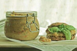 Ajvar jeshil pikant me shije të përkryer