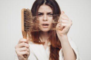 Studimi i ri tregon një mundësi për të parandaluar rënien e flokëve me kalimin e moshës