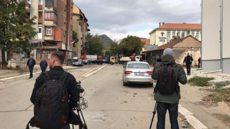 AGK: Gazetarët kosovarë vazhdojnë të mbesin të rrezikuar në veri